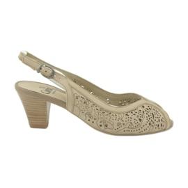 Sandali Caprice scarpe openwork da donna 29606 marrone