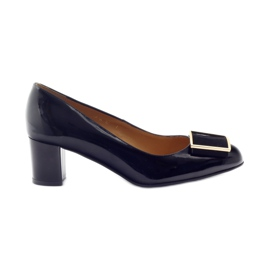 Nero Pumps in vernice nera Sagan 2776