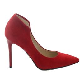 Espinto Pompe su un perno rosso
