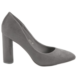 Small Swan Suede pumps su un bar grigio