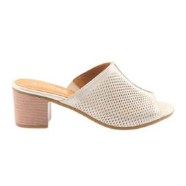 Pantofole dorate da donna Badura 5311