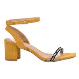 Ideal Shoes giallo Eleganti sandali in pelle scamosciata