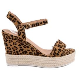 Ideal Shoes marrone Sandali alla moda su Wedge