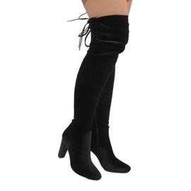 Ideal Shoes Stivali di velluto nero sul post E-4902