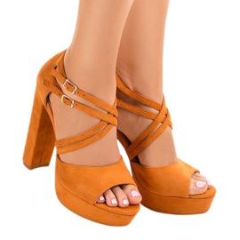 Arancione Sandali arancioni sullo stiletto D09 in pelle scamosciata