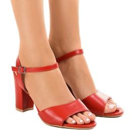 Sandali rossi sul post esposto FZ583 rosso