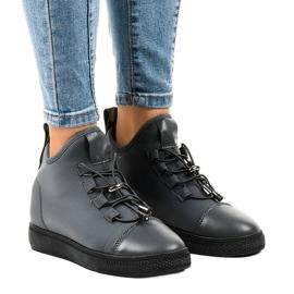 Sneakers alte isolate grigie sul cuneo XY-35 grigio