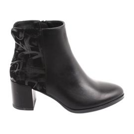 Stivali alla moda sul post nero Sergio Leone 521