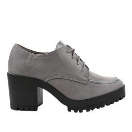 Stivali HQ651 grigi su un palo solido grigio
