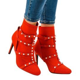 Stivali rossi su un tacco di tessuto AT-0655-L rosso