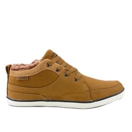 Sneakers da uomo isolate marrone 14M476