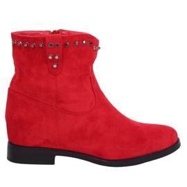 Stivali rossi su un cuneo nascosto rosso G-7606 rosso