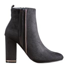 Erynn Stivali di camoscio con una cintura decorativa nero