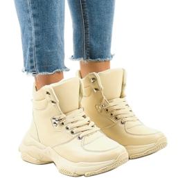 Sneakers isolate da donna beige C-3132 marrone