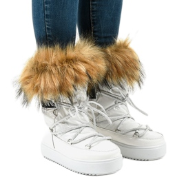 Stivali da neve alla moda bianchi con pelliccia 119-39 bianco