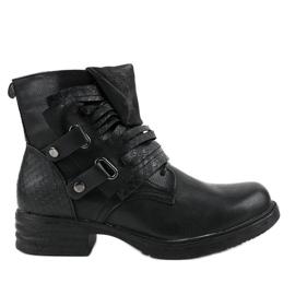 Stivali piatti neri isolati FM563 nero