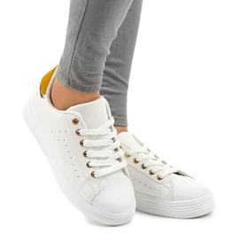 Sneakers classiche bianche sulla piattaforma BK-52 bianco