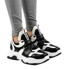 Sneakers da donna in bianco e nero CB-136