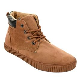Sneakers da uomo isolate marrone AN06 1
