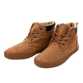 Sneakers da uomo isolate marrone AN06 3