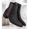 SHELOVET Stivali di camoscio con una cintura decorativa nero 3