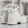 SHELOVET Sneakers isolate bianco 3