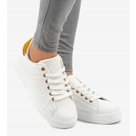 Sneakers classiche bianche sulla piattaforma BK-52 bianco 1