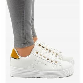 Sneakers classiche bianche sulla piattaforma BK-52 bianco 2
