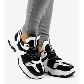 Sneakers da donna in bianco e nero CB-136 2
