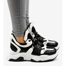 Sneakers da donna in bianco e nero CB-136 3