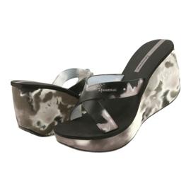 Pantofole con zeppa Ipanema 83071 Lipsick Straps VII da donna nero grigio 2