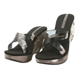 Pantofole con zeppa Ipanema 83071 Lipsick Straps VII da donna nero grigio 1