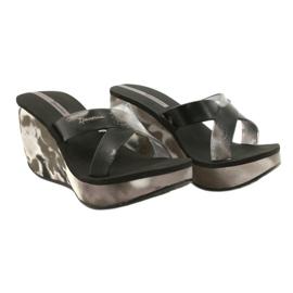 Pantofole con zeppa Ipanema 83071 Lipsick Straps VII da donna nero grigio 4
