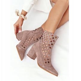 Stivali traforati in pelle scamosciata su tacchi alti Nicole 2638 Brown marrone 6