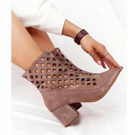 Stivali traforati in pelle scamosciata su tacchi alti Nicole 2638 Brown marrone 1