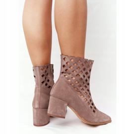 Stivali traforati in pelle scamosciata su tacchi alti Nicole 2638 Brown marrone 3