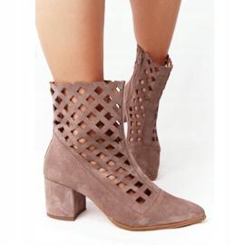 Stivali traforati in pelle scamosciata su tacchi alti Nicole 2638 Brown marrone 4