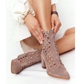 Stivali traforati in pelle scamosciata su tacchi alti Nicole 2638 Brown marrone 5