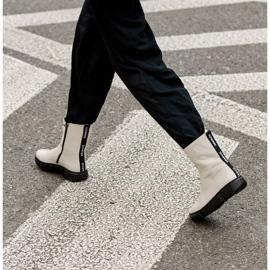 Marco Shoes Stivaletti sportivi bianchi realizzati in morbida pelle naturale bianco 9
